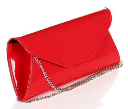1a67ab62c91a5 Czerwona lakierowana kopertówka na łańcuszku W55 Centrum Modnych Torebek