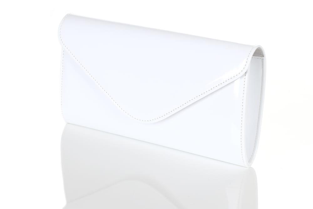 ee9bd4f222f6b Biała lakierowana kopertówka W25. Biała kopertówka. Biała kopertówka  Biała  kopertówka - widok z boku