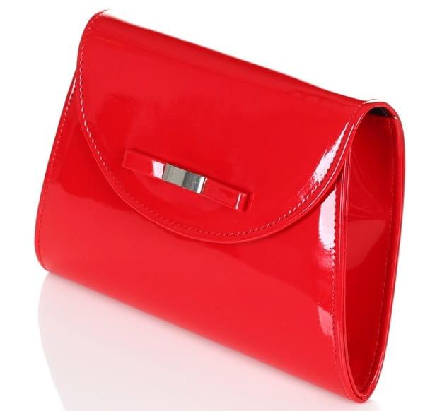 d358265b61c25 Lakierowana czerwona kopertówka z kokardką W54 Centrum Modnych Torebek